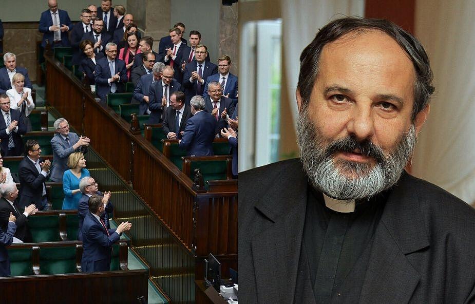 """Ks. Isakowicz-Zaleski nie wejdzie do komisji ds. walki z pedofilią. """"»Zamiatanie pod dywan« doprowadzone do perfekcji"""""""