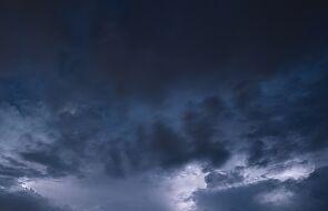 IMGW ostrzega: burze z gradem na południu i na wschodzie kraju