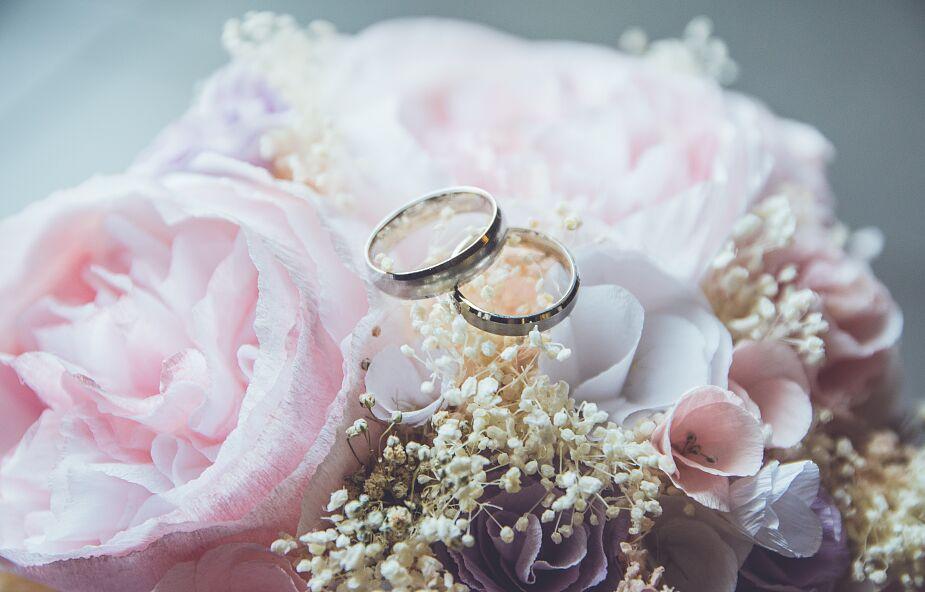 Świeccy asystujący przy ślubach? Pod kilkoma warunkami