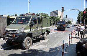 Warszawa: wydobyto niewybuch znaleziony na Bródnie