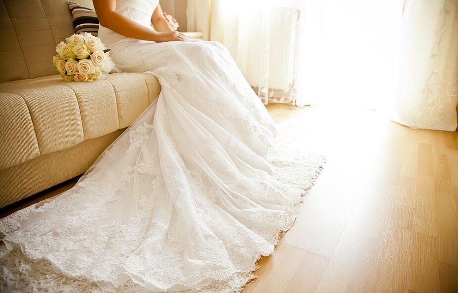 Śląskie: panna młoda i goście weselni zarażeni koronawirusem