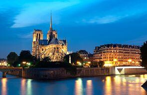 Nocna straż młodych katolików przed kościołami. Nowy ruch we Francji