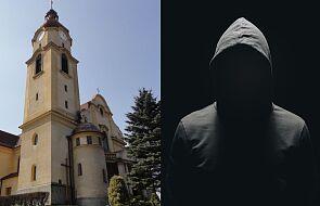 Satanistyczne symbole i hasło na drzwiach kościoła w Goleszowie