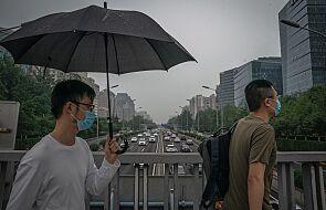 Chiny: Pekin łagodzi restrykcje wyjazdowe po spadku nowych zakażeń koronawirusem