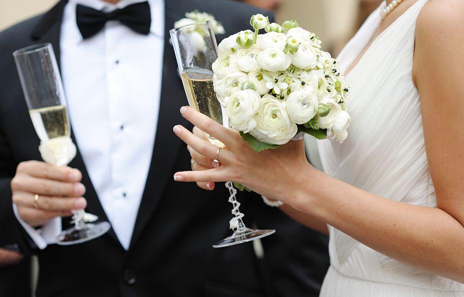 Goście weselni zakażeni koronawirusem