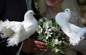 Włochy: 70 tys. odwołanych ślubów, 200 mln euro strat branży kwiaciarskiej