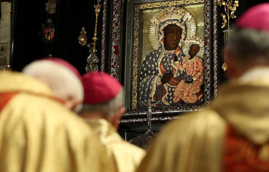 Ambona z przymrużonym okiem. Czyli czy biskup złamał regulamin Jasnej Góry?