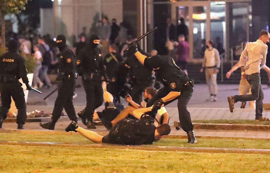 Białoruś. Centrum Wiasna: co najmniej jedna osoba zginęła w starciach z milicją