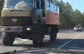 Rosyjskie media: świadkowie mówią o ciężarówkach jadących ku granicy z Białorusią