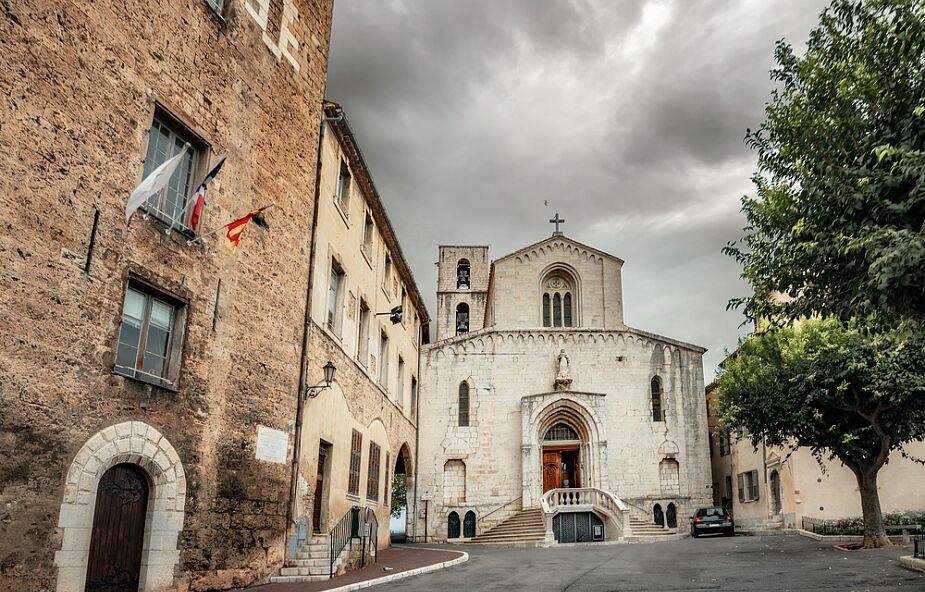 Francja: Kościół wzorem dla państwa w walce z wykorzystywaniem seksualnym dzieci