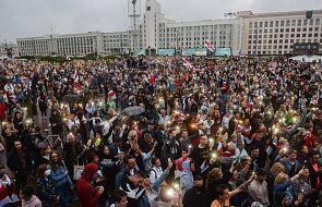 Białoruś: rosnąca liczba dowodów na powszechne stosowanie tortur wobec pokojowo protestujących obywateli
