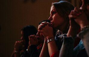 Jak Kościół powinien się spierać ze światem? Jest tylko jedna droga