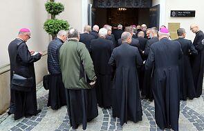 Biskupi zebrani na Jasnej Górze obejrzeli film o ks. Janie Ziei