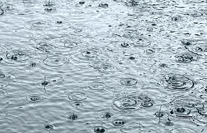 IMGW: intensywne opady deszczu w pięciu województwach
