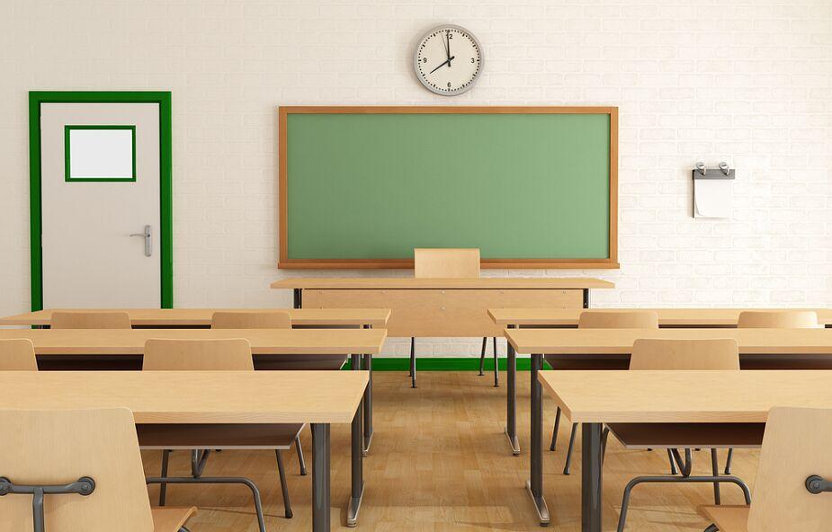 Szef MEN: planujemy, że 1 września rok szkolny rozpocznie się w szkołach