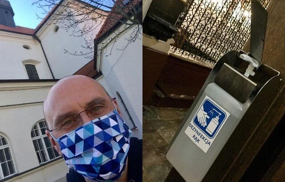 Proboszcz z Warszawy apeluje do parafian o stosowanie się do zaleceń sanitarnych