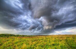 IMGW ostrzega przed upałami i burzami z gradem