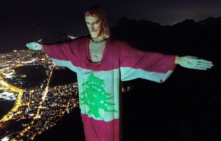 """Chrystus z Rio de Janeiro """"przywdział"""" libańską flagę"""
