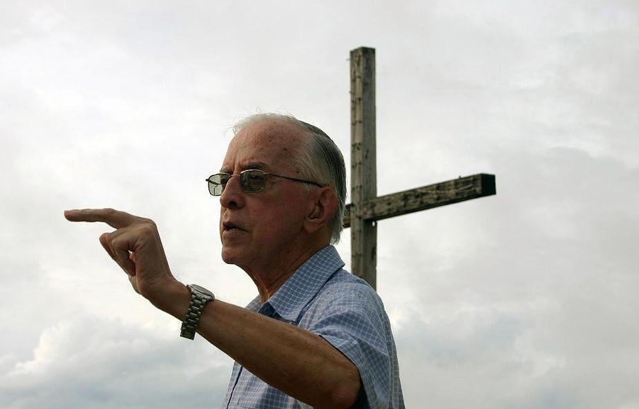 Zmarł biskup, który zamiast pastorału miał wiosło. Wielokrotnie grożono mu śmiercią