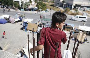 Koce, namioty - tak, relokacja - nie. UE powściągliwa w pomocy dla migrantów z Morii