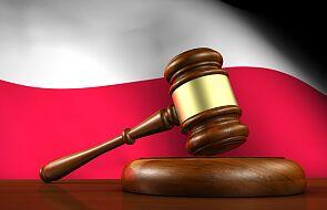 Sąd uniewinnił kasjerkę, która nie obsłużyła klientki bez maseczki