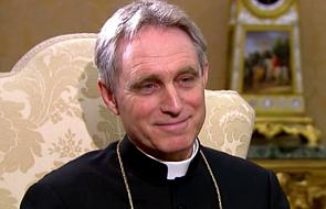 Rzym: abp Gänswein wraca do Watykanu po chorobie