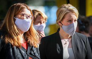 W ciągu minionej doby w Niemczech odnotowano 2297 przypadków zakażenia koronawirusem - poinformował w sobotę rano berliński Instytut im. Roberta Kocha (RKI). Zmarło sześć osób.