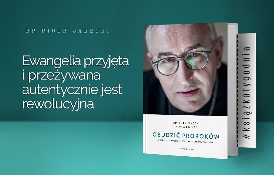 Bp Jarecki: nie da się pogodzić zaciśniętej pięści nienawiści z różańcem