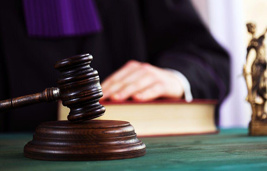 Ostrołęka: Zapadł wyrok ws. kobiety, która była zarażona koronawirsuem i poszła do sklepu