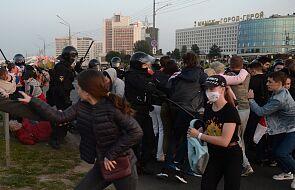 W Mińsku trwają zatrzymania protestujących, użyto armatek wodnych