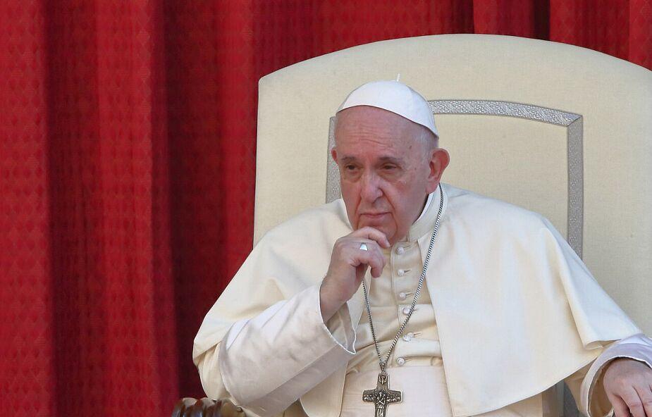Franciszek: Maryja kobietą modlitwy