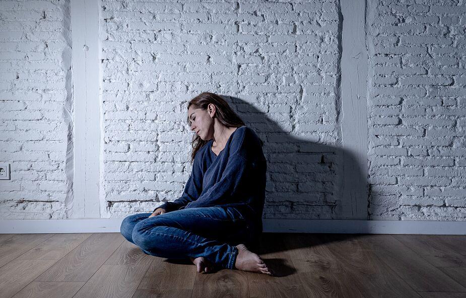Depresja to nie jest zwykły smutek. To jest ciężka choroba