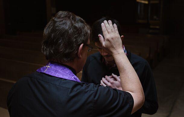 30 dni więzienia lub 1500 dolarów grzywny. Dakota Północna chce zmuszać księży do ujawniania tajemnicy spowiedzi