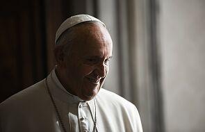 Papież modlił się za ofiary trzęsienia ziemi i katastrofy samolotu w Indonezji