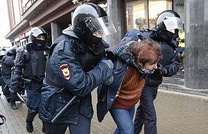 Zatrzymani w Moskwie: policjanci zatrzymują bez wyjaśnień