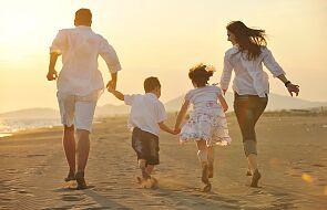 Kard. Farrell: rodziny są ziarnem, które może ożywić świat