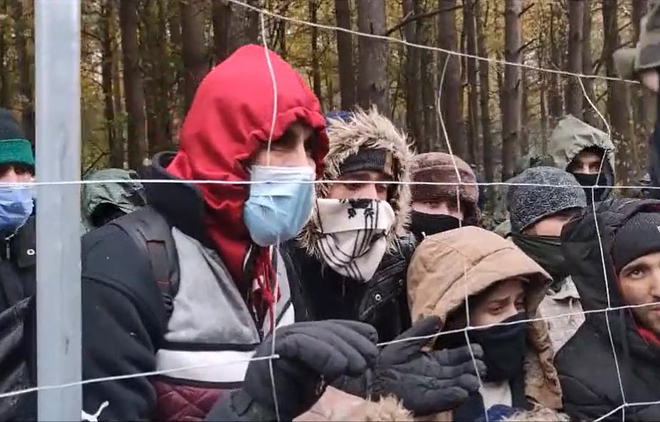 Nowa grupa cudzoziemców na granicy. Przywiozły ich białoruskie służby