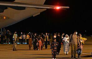 Studenci pomagali ewakuować ludność z Afganistanu