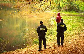 Tragedia w Pułtusku. Z rzeki wyłowiono ciało dziecka; trzy kilometry dalej znaleziono ciało kobiety