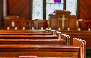 Połowa uczestników niemieckiej drogi synodalnej chce rozmawiać o likwidacji kapłaństwa