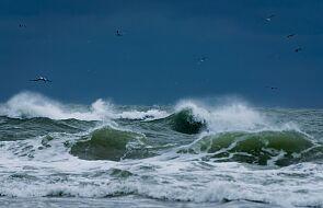 Silny sztorm na Bałtyku. IMGW ostrzega