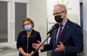 W Polsce padł rekord czwartej fali pandemii koronawirusa. Minister zdrowia apeluje o odpowiedzialne zachowanie na cmentarzach
