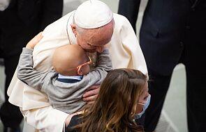 Papież poświęcił dzwony z Polski. Będą biły w obronie życia