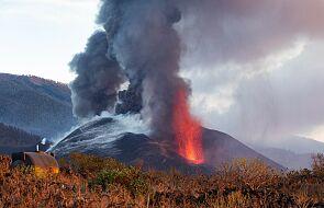 Hiszpanie chcą zbombardować wyspę La Palma. Z wulkanu wciąż spływa lawa