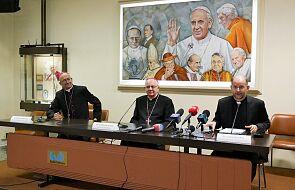 """""""Życzyłbym każdemu takiego dywanika"""". Polscy biskupi po spotkaniu z papieżem"""