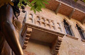 Długa kolejka zakochanych do Domu Julii w Weronie