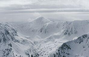 Nie żyje dwóch skialpinistów porwanych przez lawinę w Tatrach
