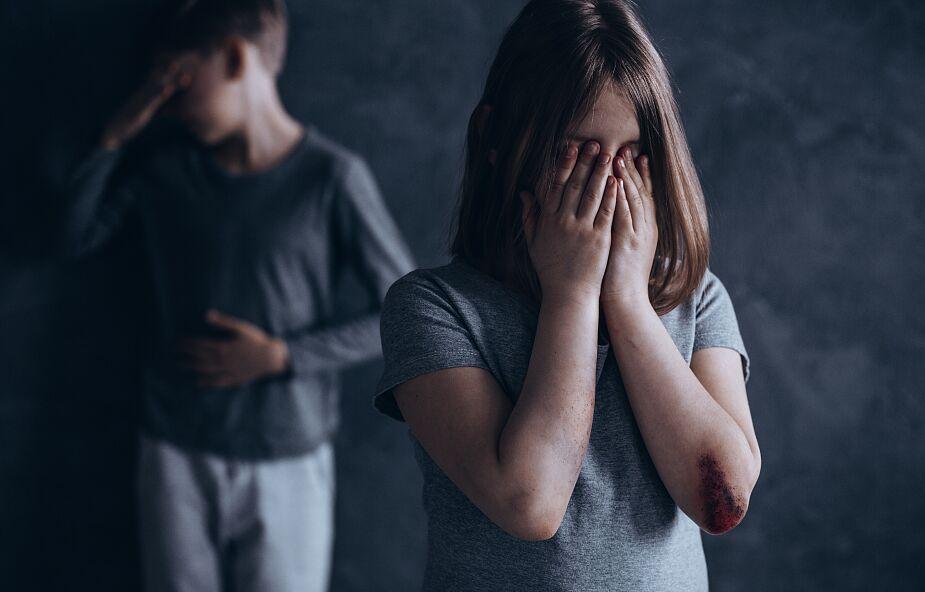 Fundacja Dajemy Dzieciom Siłę: prawie pół miliona dzieci doświadczyło wykorzystywania seksualnego