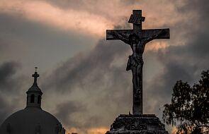 Droga Krzyżowa w intencji osób wykorzystanych seksualnie w Kościele [ROZWAŻANIA]