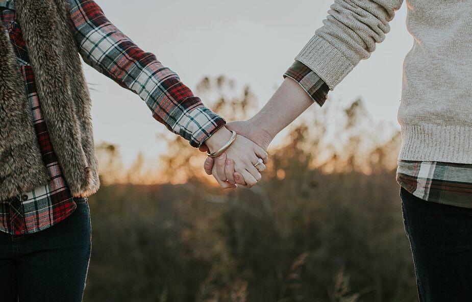 """Jak po nieudanej relacji otworzyć się na nową? """"Trzeba mieć w sobie zakończony dawny związek"""""""
